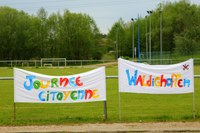 les banderoles de la journée citoyenne