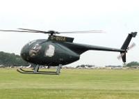 Hélicoptère Hughes 500, le même type d'hélicoptère qui survolera la commune de Waldighoffen pour surveiller des lignes électriques de 20000 volts.