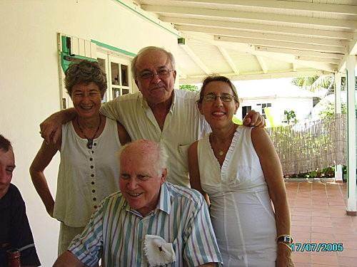 Henri Baumlin entouré de trois de ses professeurs au moment de sa retraite