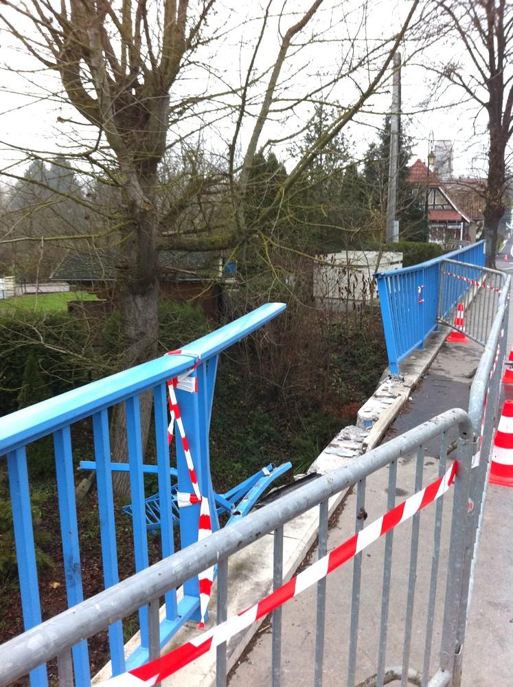 Le pont Jean de Loisy après l'accident