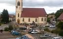 Sortie d'église après la messe pour les malades-19 oct 2013