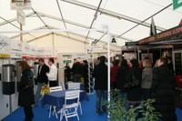 Une allée de stands de l'Expo-Habitat 2011 de Waldighoffen