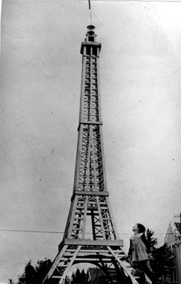 Tour-Eiffel-Waldighoffen-1945