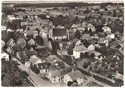Photo aérienne de Waldighoffen il y a une cinquantaine d'années