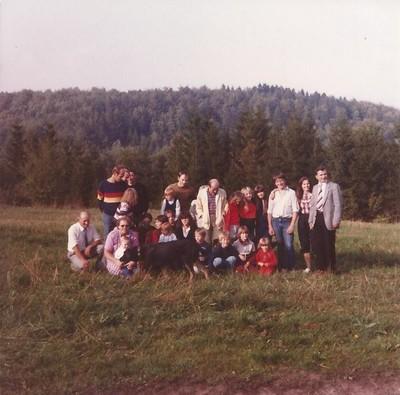 Photo de famille, Marlène à en rose à gauche