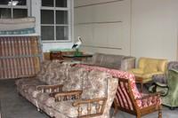 Des canapés et fauteuils