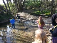 Mesure de la largeur de la rivière
