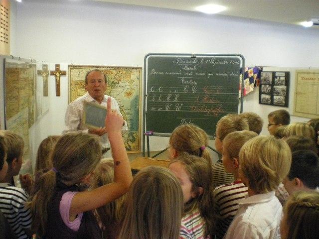 Visite de l'exposition du Cercle d'Histoire de Waldighoffen