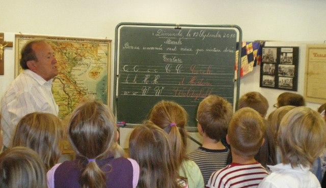 Visite d'une exposition du Cercle d'Histoire de Waldighoffen