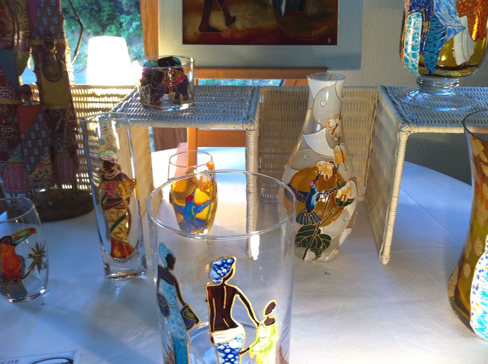 Des peintures sur verre de Caroline Ferrara