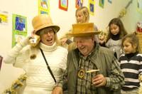 Deux chapeaux en bois pour Christiane Vallin et M. Haeberlé, le tourneur