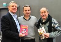 Monsieur Brunet PDG Leclerc, au centre, entouré du Dr Gérard Porte (g) et de Jean Sarrus