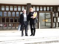 Christiane et René sur le perron de France 3 Alsace