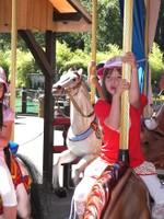 La fillette à cheval..de bois