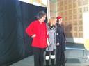 Les acteurs avec la directrice de la Médiathèque à la fin du spectacle