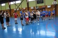 Camp de basket minimes le groupe à l'écoute