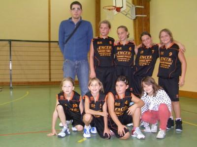 L'équipe des poussines 1 du basket-club CSSPP Waldighoffen lors de la saison 2010/2011.