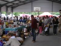 Photo du marché aux puces 2009 organisé par le basket-club CSSPP Waldighoffen et l'association temps libre.