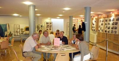 exposition 2010 autour des tables