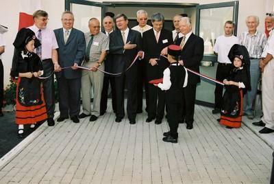 Inaug locaux Com Com le 4 sept 2004