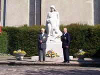 Officiels devant le Monument aux Morts 30 ans UNC Waldighoffen