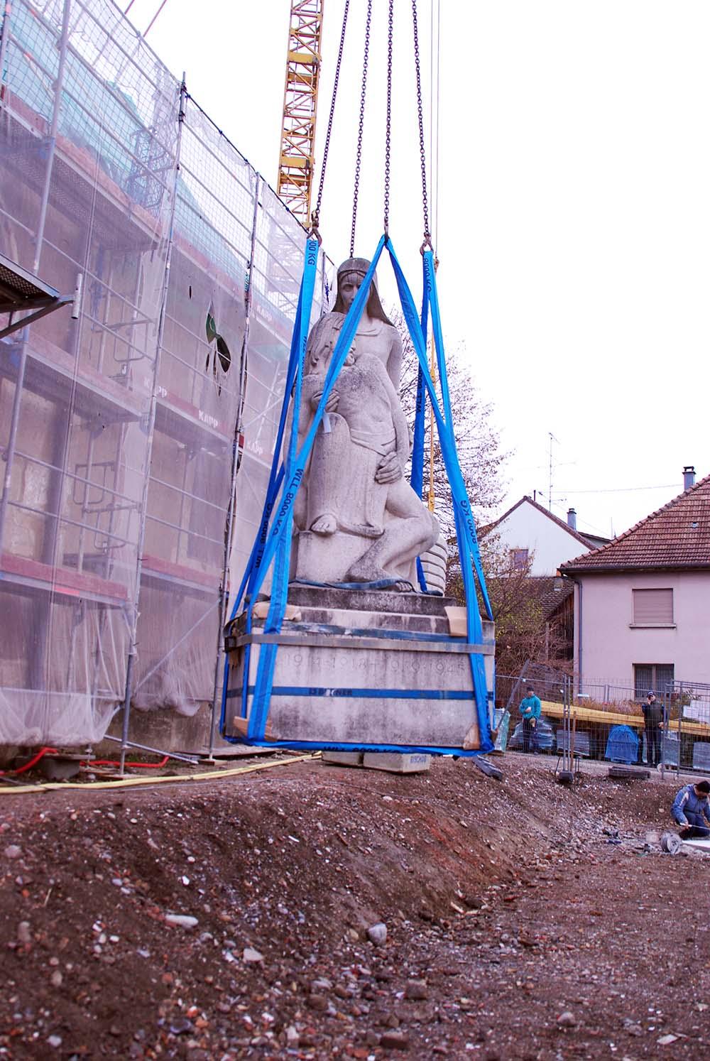 2012/11/08 - Déplacement monument aux morts 2