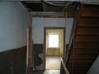 Escaliers dans le presbytère - 13.03.12.JPG