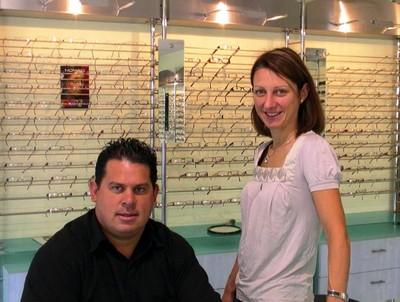 Lionel et Francoise chez Opti Sundgau à Waldighoffen