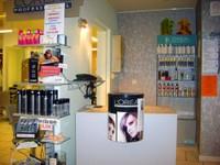 L'acccueil du salon de coiffure Idéal'Tiff