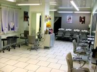 Autre vue du salon de coiffure Idéal'Tiff