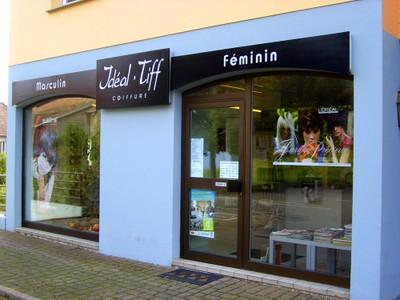 La façade du salon de coiffure Idéal'Tiff