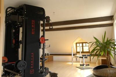 Machine de musculation chez Écoute la Rivière