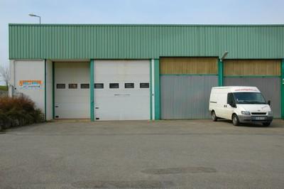 L'entrepôt et la camionnette de Joël Sono Concept