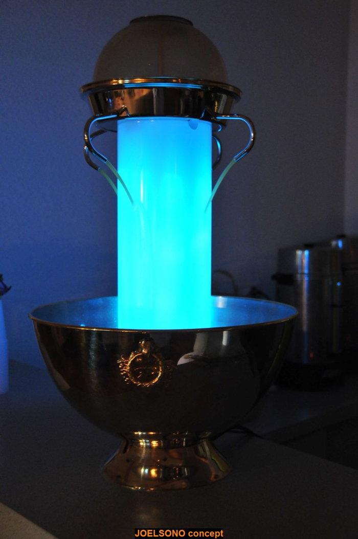 Joël Sono Concept et sa fontaine à cocktail lumineuse