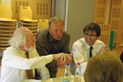 Discussion animée entre Antoine Lang, René Minéry et Eric Yapoudjian