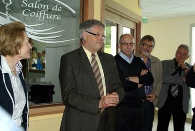 Mme Sigrun Lang, le maire Henri Hoff, le Curé Christophe Smoter, le directeur de l'EHPAD Jean-Philippe Legrand, le président de l'Asmepac Marcel Triolet