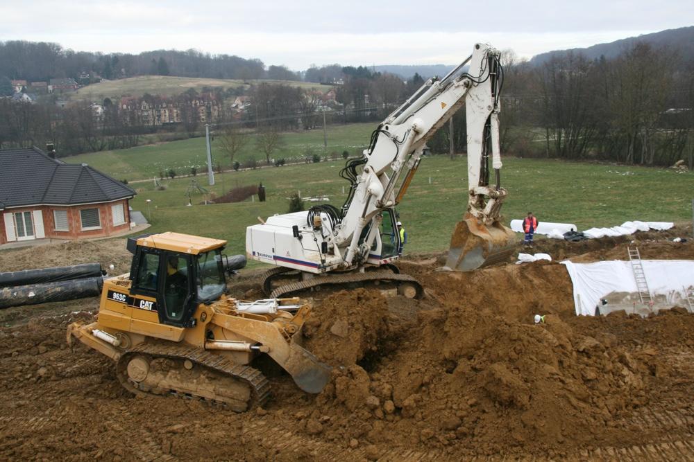 Extraction de terre au chantier de l'EHPAD, le 24 janvier 2011