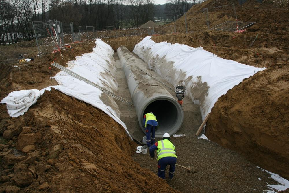Mise en place du bassin de rétention de l'EHPAD, le 24 janvier 2011