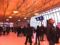 Le hall et ses visiteurs du 1er jour
