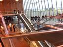 Plans inclinés et escalators dans la gare TGV Belfort Montbéliard