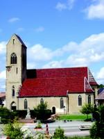L'église et les cigognes