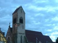 6 cigognes sur le toit de l'église de Waldighoffen